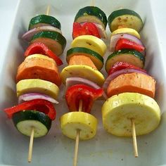 what to cook for a vegetarian at your bar-b-que: grilled veggie kabobs Kabob Recipes, Grilling Recipes, Vegetable Recipes, Cooking Recipes, Grilling Ideas, Bbq Ideas, Picnic Recipes, Veggie Food, What's Cooking