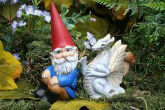 Garden Gnome & White Dragon Statue  2 Piece Set  door PhenomeGNOME