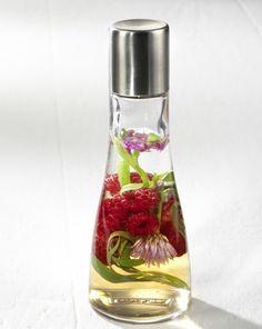 Unser beliebtes Rezept für Estragon-Himbeer-Essig und mehr als 55.000 weitere kostenlose Rezepte auf LECKER.de.