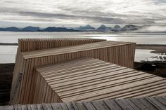 In the distant north, research needs to be adapted to the climate – Geo-observatory on Svalbard, Norway by LPO Arkitekter. Weekend Cottages, Alesund, Wood Magazine, Swedish House, Outdoor Chairs, Outdoor Decor, Building Structure, Rest Of The World, Cladding
