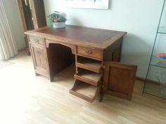 antiek eiken bureau, 100 jaar oud Man, Office Desk, Corner Desk, Bedroom, Furniture, Home Decor, Bass, Corner Table, Desk Office
