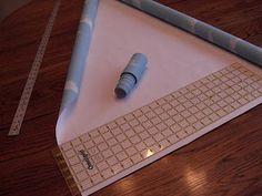 Sue Runyon Designs: How To: Make a window fan shade Shaped Windows, Arched Windows, Window Coverings, Window Treatments, Half Moon Window, Diy Window Shades, Window Fans, Custom Blinds, Diy Fan