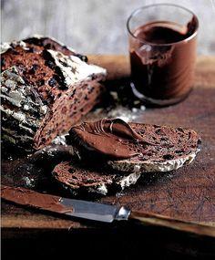 Pão de chocolate com massa azeda