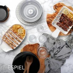BBQ PLATE S/2 32CM. Bbq Plates, Serveware, Breakfast, Food, Morning Coffee, Essen, Meals, Dining Sets, Yemek
