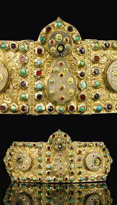Turkey | Ottoman jade and jewel set belt buckle | 17th century | Est. 80'000 - 120'000£ ~ (Sept '14)