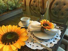 Pro dia nascer feliz!  Acessórios para decorar sua mesa é na www.EuQueDecoro.com.br. vem ver!