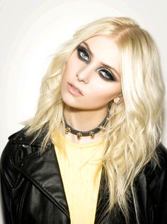 """girlonthecoast: """"By Indira Cesarine For The Untitled Magazine - 2013 """" Estilo Taylor Momsen, Taylor Momsen Style, Rock Star Makeup, Taylor Momson, Chuck Blair, Guitar Girl, Gossip Girl Fashion, Marina And The Diamonds, Flawless Face"""