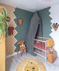 Jungle Nursery with etnische prints Baby Bedroom, Baby Boy Rooms, Baby Room Decor, Kids Bedroom, Jungle Nursery, Nursery Room, Nursery Decor, Nursery Prints, Jungle Baby Room