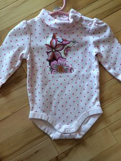 Minnesota Baby Onesie ~ Size 3-6 months ~ UPcycled ~ Gymboree ~ Floral MN Appliqué on Polka Dots ~ Turtle Neck ~ Perfect Gift for Baby Girl! by ArtThatCooks on Etsy