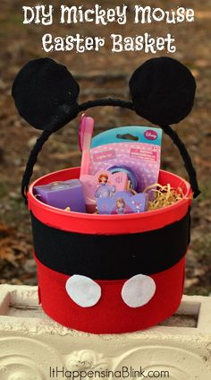 These Mickey Mouse Easter baskets are SUPER easy to make!