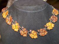 VINTAGE SIGNED LISNER 2 TONE AMBER LUCITE & CRYSTAL OAK LEAF NECKLACE BOOK PIECE