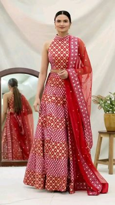 Indian Dresses For Women, Party Wear Indian Dresses, Designer Party Wear Dresses, Indian Gowns Dresses, Dress Indian Style, Indian Fashion Dresses, Indian Designer Outfits, Designer Bridal Lehenga, Fancy Blouse Designs