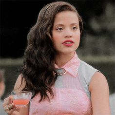 Read Audrey 2 from the story Female Character Gif/Short Imagines by AndreaAndAmy (AndreaPlayz Playz) with reads. Disney Channel Descendants, Disney Descendants 3, Descendants Cast, Ghostbusters, Sarah Jeffery, Mal And Evie, Audrey Rose, Band Outfits, Decendants