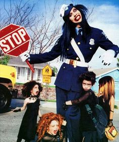 Marilyn Manson bothering some school children.