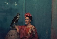 One of my favorite artists is Frida Kahlo. Frida Kahlo de Rivera (July 1907 – July Frida was a Mexican paint. Diego Rivera, Portraits Victoriens, Nickolas Muray, Louise Brealey, Frida And Diego, Frida Art, Most Beautiful People, Beautiful Things, Beautiful Birds