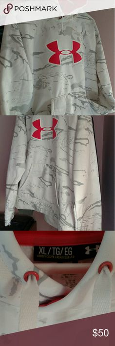 ❄ Warm And Cozy Under Armour Hoodie ❄ Excellent Condition Under Armour Hoodie. Colors Are White, Pink And Gray. Size Is XL, But Looks Like It Would Fit A Size Large Also. This Hoodie Will Definitely Keep You Warm This Winter! Fast Shipping! Under Armour Tops Sweatshirts & Hoodies