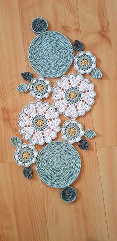 Crochet Placemat Patterns, Crochet Table Runner Pattern, Crochet Mandala Pattern, Crochet Flower Patterns, Crochet Art, Crochet Home, Crochet Designs, Crochet Crafts, Crochet Doilies
