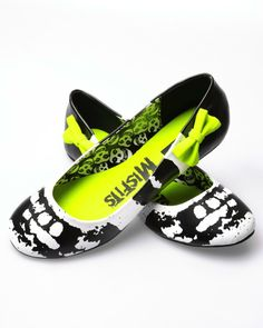 Amazon.com: Iron Fist Misfits Flats - Black: Shoes