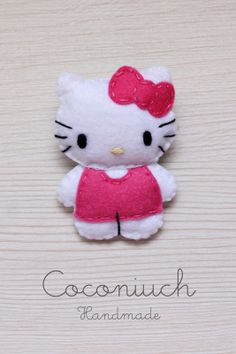 Hello kitty, Fuse beads i inne popularne na Pinter. Felt Diy, Felt Crafts, Diy And Crafts, Crafts For Kids, Hello Kitty Crafts, Cat Template, Felt Keychain, Felt Pillow, Felt Patterns