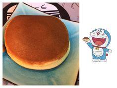 El Dorayaki que comimos nosotros no es el auténtico  Este estaba hecho con chocolate. El auténtico japonés  el que come Doraemon  esta hecho con una crema de judías dulces.  La próxima vez  prometemos pedir el auténtico  palabra   Y si tenemos la suerte de poder viajar a Japón algún día  también prometemos comer el auténtico. Si alguien quiere patrocinarnos un viajecito  probamos lo que sea   Habéis viajado a Japón ?   Link a nuestro canal de aventuras familiares en la bio  #japanisefood…