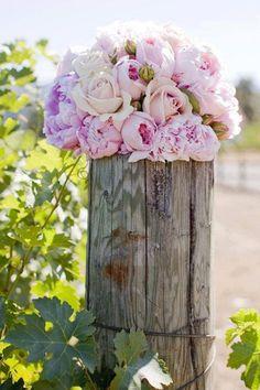 Amazing summerflowers, several inspiring arrangements with Paeonia.