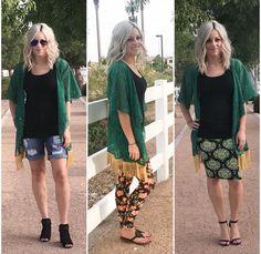 LuLaRoe Monroe Kimono over Classic T, Leggings, and Cassie Pencil Skirt Kimono Fashion, Skirt Fashion, Cute Summer Outfits, Cute Outfits, Lularoe Monroe, Cool Style, My Style, Classy Style, Lula Roe Outfits