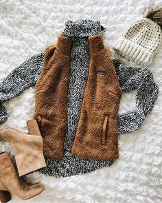 Oh the weather outdoors is kinda cold, but my outfit is totally adorbs! Vest Outfits, Preppy Outfits, Preppy Style, Cute Outfits, Cold Weather Outfits, Fall Winter Outfits, Autumn Winter Fashion, Winter Looks, Patagonia Vest Outfit