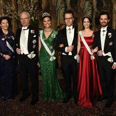 The swedish royal family at the first official dinner of the year today at the Royal Palace. #swedishroyalfamily #swedishroyals #royalfamilysweden #swedenroyalty #kingcarlgustaf #queensilvia #princecarlphilip #princesssofia #crownprincessvictoria #princedaniel #kronprinsessanvictoria #prinsdaniel #kronprinsparet #kungahuset #kungafamiljen #sverigekungahus #sverige