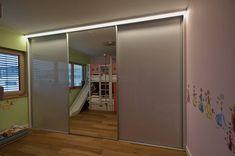 Wir setzen auf Gleitschiebetüren von Raumplus. Weil Qualität für uns unabdingbar ist! Relax, Divider, Mirror, Room, Furniture, Home Decor, Made To Measure Furniture, Carpentry, Bedroom