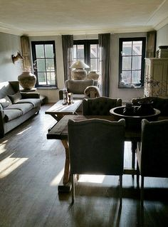 Woonkamer landelijk sober Rustic Home Design, Decor Interior Design, Interior Design Living Room, Interior Decorating, Living Room White, Home And Living, Living Room Decor, Sims House, Minimalist Living