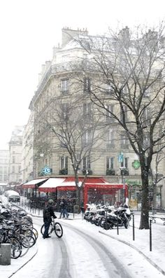 snow.. Paris, France……..TRIED RIDING MY BIKE HERE ……SLIPPED AND SKIDDED ALL OVER THE PLACE…….DON'T KNOW HOW THEY DO IT…………ccp