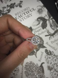 Sparkly Engagement Rings for Every Kind of Bride Classy circle halo engagement ring with round brilliant cut diamond center stone and side diamond @taradajewelry