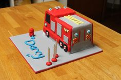 Fire Engine Cake (inspired by Fireman Sam) — Children's Birthday Cakes (diy birthday cake cat) Fireman Cupcakes, Fireman Sam Cake, Fireman Party, Fire Engine Cake, Diy Birthday Cake, Novelty Cakes, Diy Cake, Themed Cakes, Party Cakes