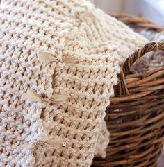 The Nesting Project: Made for You Monday: Easy Knitted Blanket