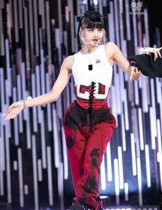 Boujee Outfits, Stage Outfits, Dance Outfits, Cool Outfits, Fashion Outfits, Korean Girl Fashion, Blackpink Fashion, Jennie Lisa, Blackpink Lisa