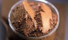 Mousse au chocolat - La Table à Dessert je rajoute du zeste d'orange ou citron bio
