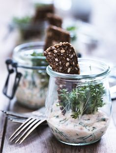 Smoked Salmonrilettes with Herbs Røkt lakserillette med krydderurter I Love Food, Good Food, Yummy Food, Brunch, Danish Food, Small Meals, Partys, Recipes From Heaven, Appetisers