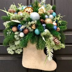 Nouvel An, Christmas Wreaths, Holiday Decor, Home Decor, Crowns, Decoration Home, Room Decor, Home Interior Design, Home Decoration