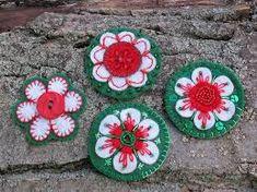 "Képtalálat a következőre: ""kokárda"" Paper Flowers, Embroidery, Sewing, Outdoor Decor, Projects, Blog, Gifts, Inspiration, Stitching"