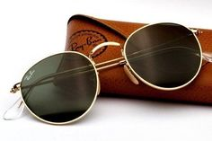 Black Ray-Ban sunglasses Erica style black ray ban sunglasses* perfect condition no signs of wear. Selling on Merc as well Ray-Ban Accessories Sunglasses Ray Ban Sunglasses Sale, Sunglasses Online, Sunglasses Case, Sunglasses Women, Sunnies, Sunglasses Outlet, Wayfarer Sunglasses, Sunglasses 2016, Mirrored Sunglasses