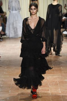 The lure of a spring/summer Alberta Ferretti collection should never be underestimated and this season, things got serious. Naturally, the aesthetic was undeniably chic, feminine and beautifully we...
