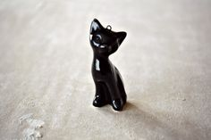 Valentine's day gift  Ceramic cat necklace  by JasminBlancBoutique, $35.00  ····I do find this Absolutely Gorgeous I Really cannot see myself buying $35+ for this little cutie.....but I can at least pin it. lol