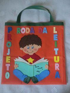 Incentivo a leitura,com essa linda sacolinha para a criança levar livros para casa.Cada semana uma criança da sala de aula ,leva com vários livros. Ideas Para, Reusable Tote Bags, Mini, Books, Reading Projects, Preschool, Reading, Libros, Book
