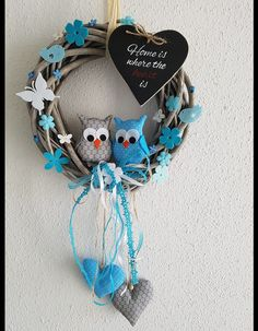Diy Home Crafts, Felt Crafts, Arts And Crafts, Owl Wreaths, Wedding Wreaths, Valentines Day Gifts For Him, Bottle Art, Holiday Cards, Garland