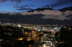 Caracas at night... Oh, I miss it sooo much!