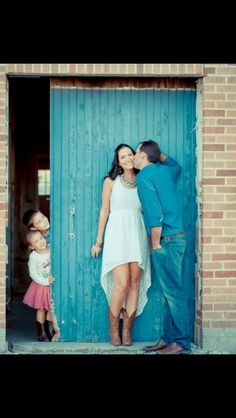 Love this for wedding pic idea, though fun for Christmas too.