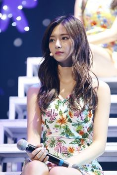 nayeon what is love Nayeon, Kpop Girl Groups, Korean Girl Groups, Kpop Girls, Tzuyu Wallpaper, Chou Tzu Yu, Tzuyu Twice, Dahyun, Just Girl Things
