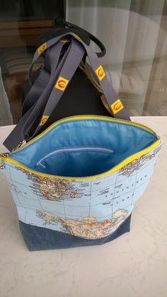 Umhängetasche Milow Aus alter Jeans und Dekostoff Weltkarte