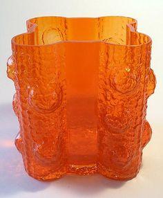 Quadrifolia vase by Nanny Still, Riihimäen lasi Finland Glass Design, Design Art, Sandblasted Glass, Glass Ceramic, Modern Glass, Retro Art, Mid Century Modern Furniture, Butterfly Wings, Crystals