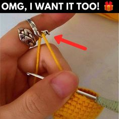 Love giving (and receiving!) handmade 🎁gifts? Well, here's an affordable, unique and beautifully made crochet swan ring you can take to your giftable projects with you and work on it when you have few spare moments! Crochet Stitches, Knit Crochet, Crochet Patterns, Crotchet, Crochet Ideas, Crochet Rings, Crown Pattern, Things To Buy, Stuff To Buy